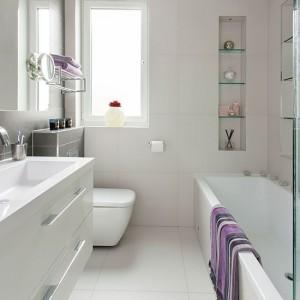 kamar-mandi-warna-putih