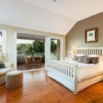 balkon-di-kamar-tidur-punya-beragam-manfaat-1-696x522
