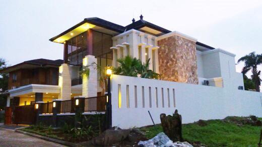 Desain Rumah Ibu Puja