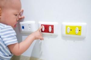 pengaman stop kontak untuk anak