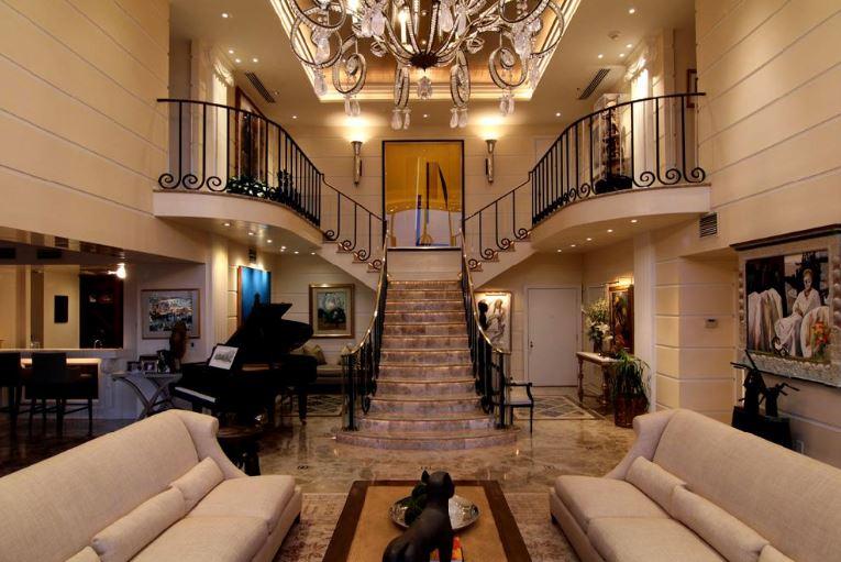 Mengenal Jenis-jenis tangga yang Umum di gunakan pada Rumah