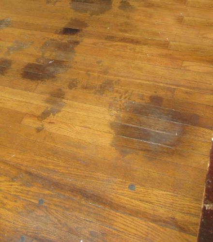 TRIK Cara Mudah Menghilangkan Noda Pada Furniture Kayu