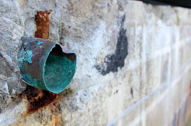 Beberapa Peneyebab Yang Membuat Air Menjadi Rumah Keruh