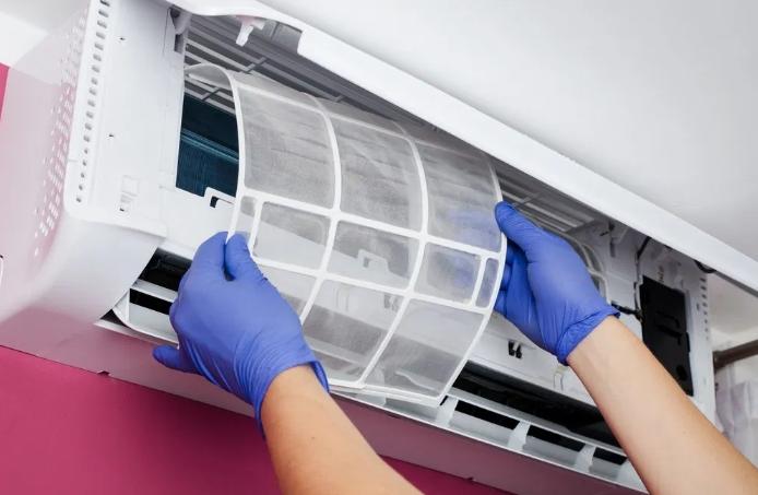 Penyebab AC Rumahmu Mengeluarkan Udara Panas